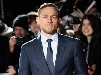 Charlie Hunnam debuts a new accent and Brits everywhere are freaking the heck out