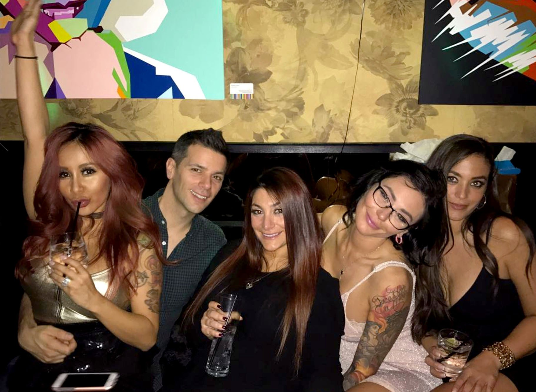 """**Jersey Shore**  Can you believe it's been FIVE whole years since we saw the gang of MTV's *Jersey Shore*?! Cast members of the hit series including Nicole """"Snooki"""" Polizzi, Jenni """"JWoww"""" Farley and Deena Cortese got together to celebrate the 30th birthday of Sammi """"Sweetheart"""" Giancola at a club in New York City over the weekend."""