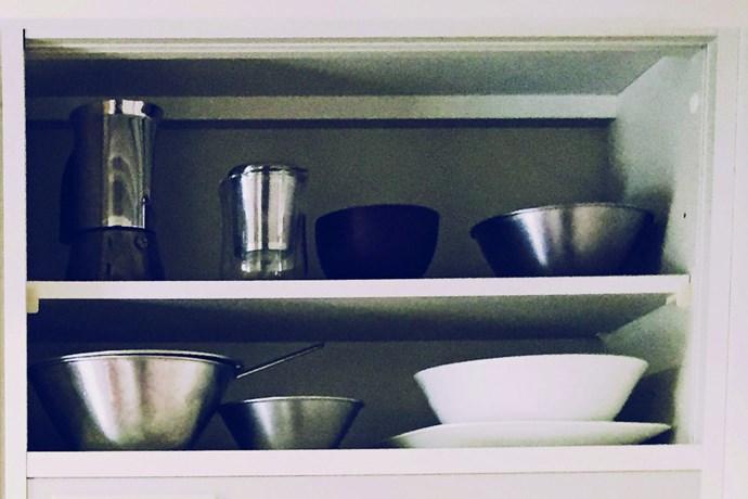 Fumio Sasaki's tableware. He chooses dishes with minimalist designs.