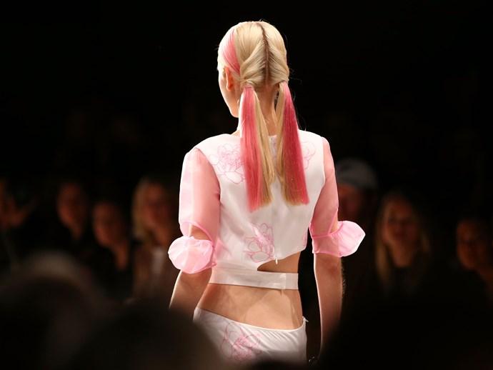 Colour-spliced hair