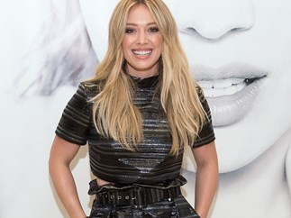 Twitter just collectively lost its shit over how FIRE Hilary Duff looks right now