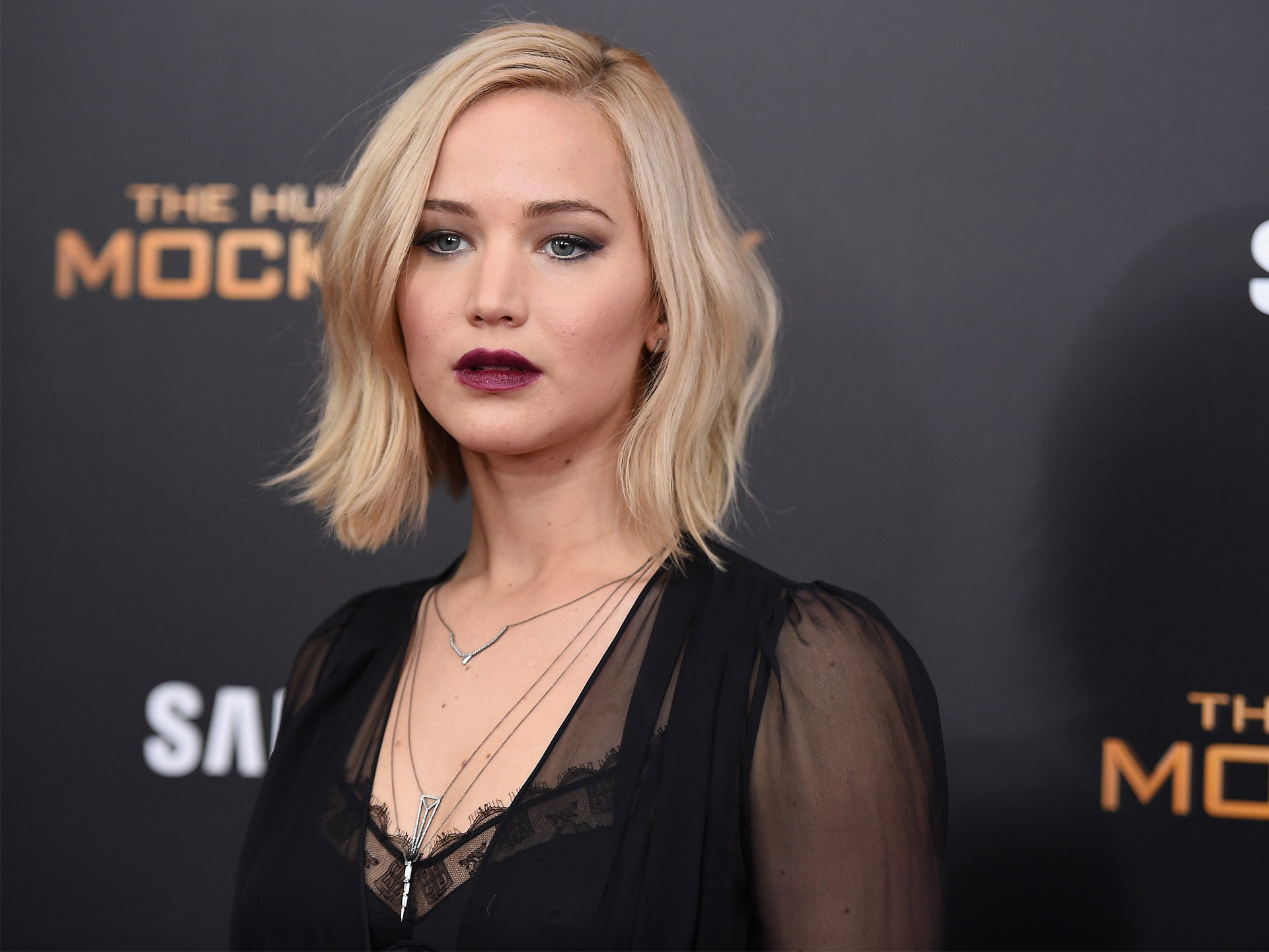 Jennifer Lawrence's plane makes emergency landing in Buffalo