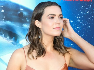 Mandy Moore just schooled everyone on how to go braless in a slip dress