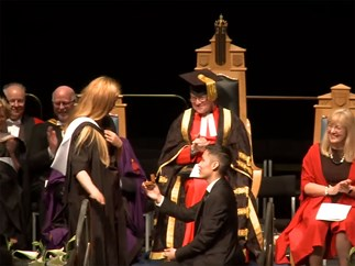 Guy proposes to girlfriend at graduation at University of Aberdeen