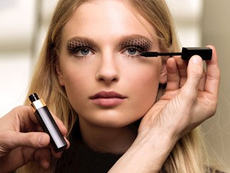 A case for buying travel-sized mascara over the full-size ones