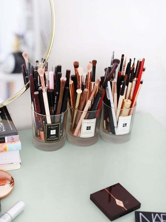 **The candle jars** <br> <br> The storage solution for all your brushes and lippies. <br> <br> *[Pinterest](https://au.pinterest.com/pin/AWO6j0_V7ZeZRuLsDSYCs157_H_Xm54d3zhNSnL9rJqT8oTQE_7y_-w/)*