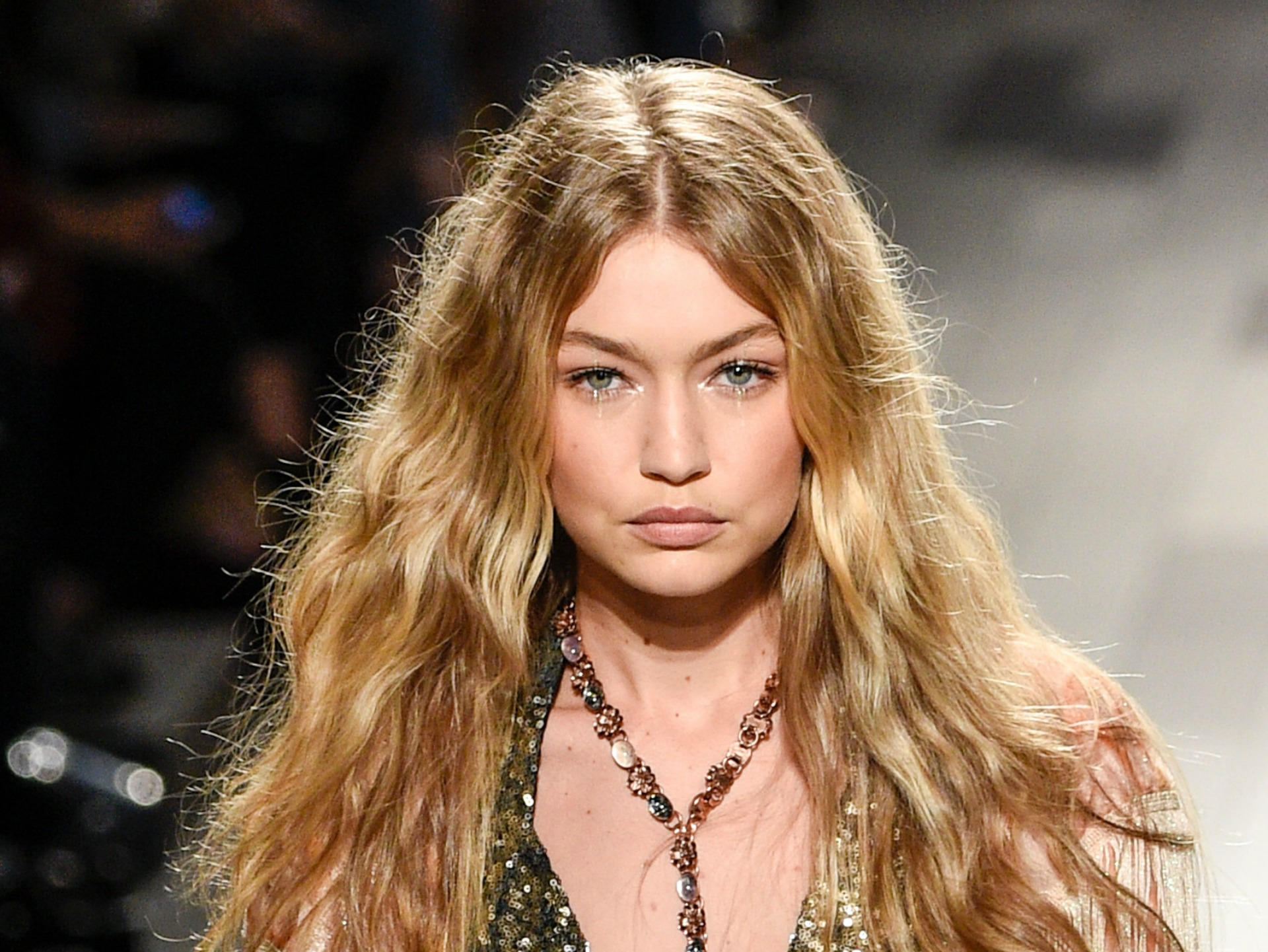 Watch Gigi Hadid Walk The Runway In Just One Shoe