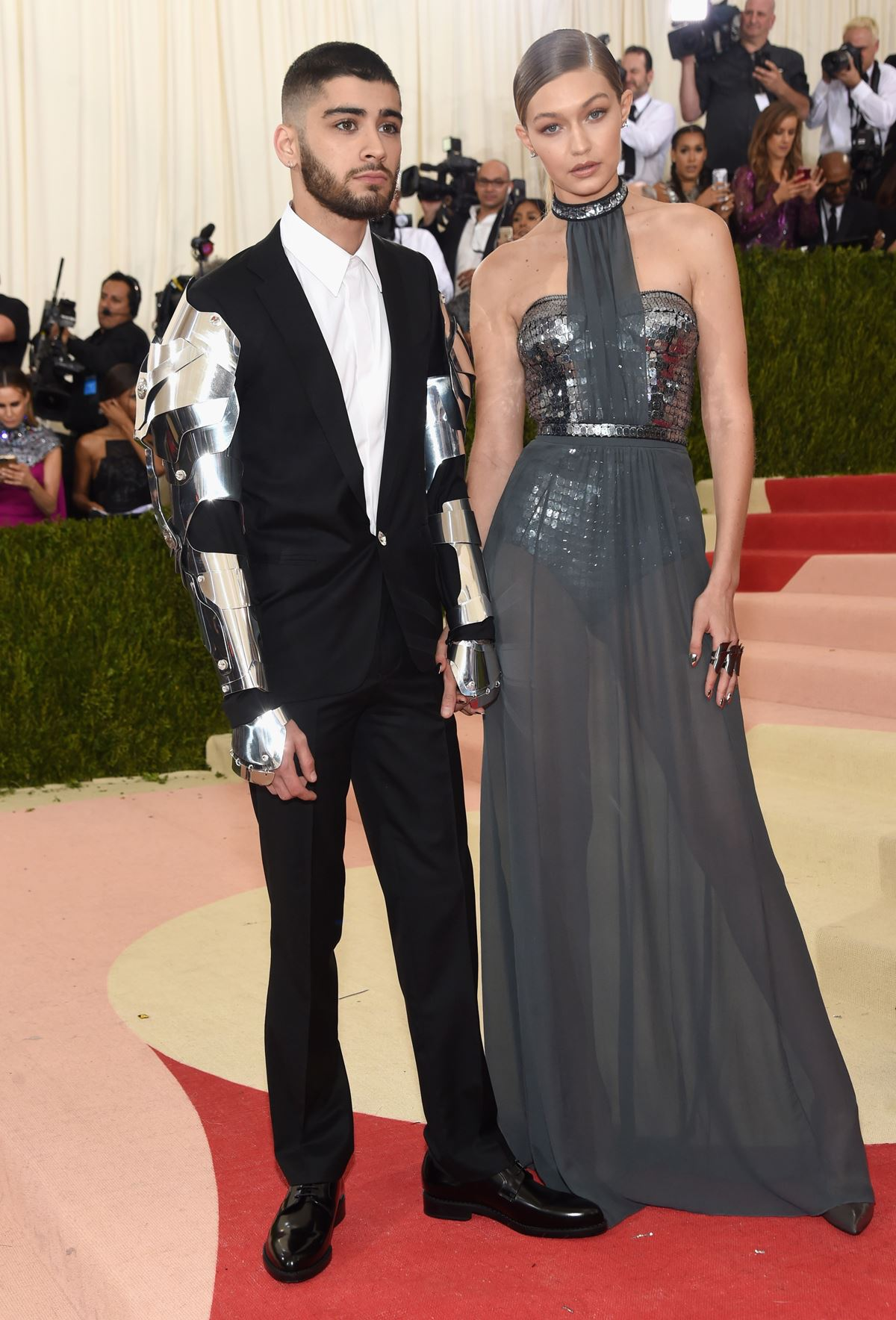 *Meet Zayn Malik! Meet Gigi Hadid!* We're getting MAJOR *The Jetsons* vibes from these two...