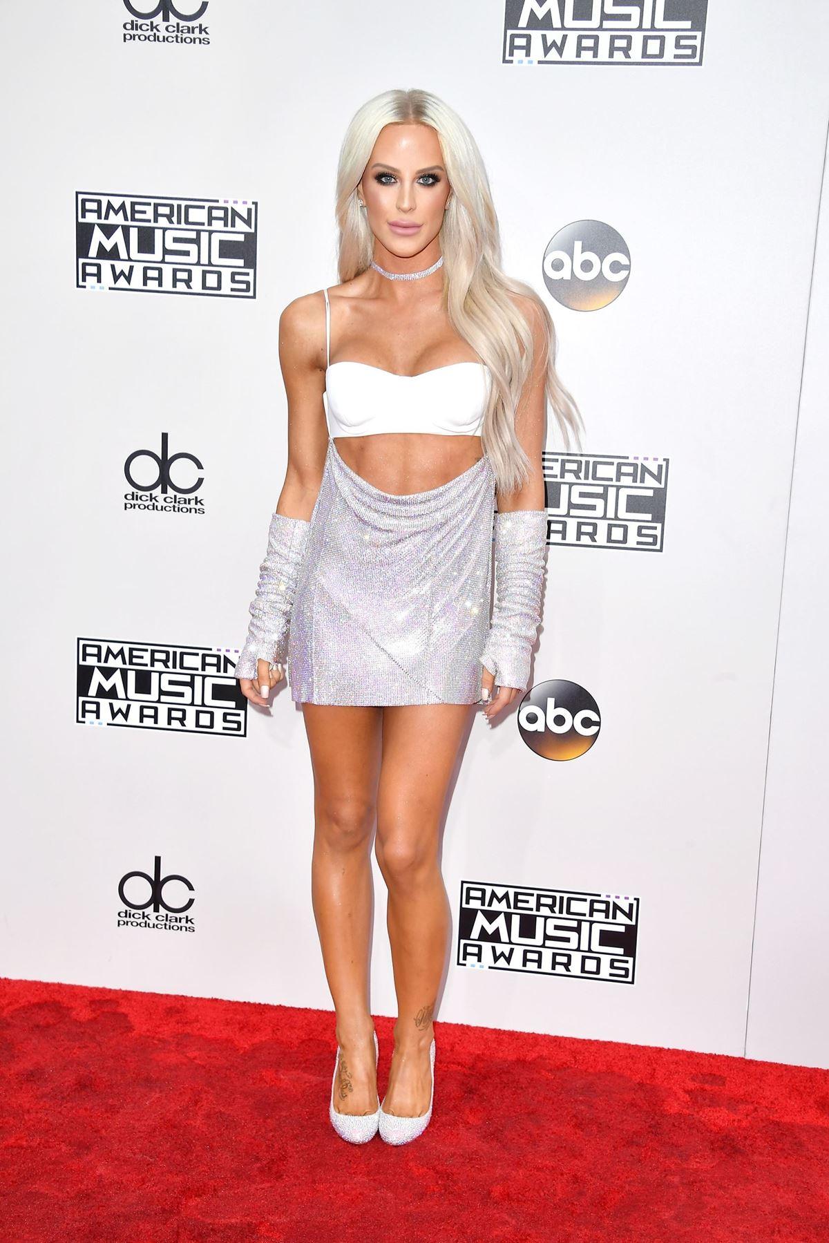 **Gigi Gorgeous** looking, well, *gorgeous*.