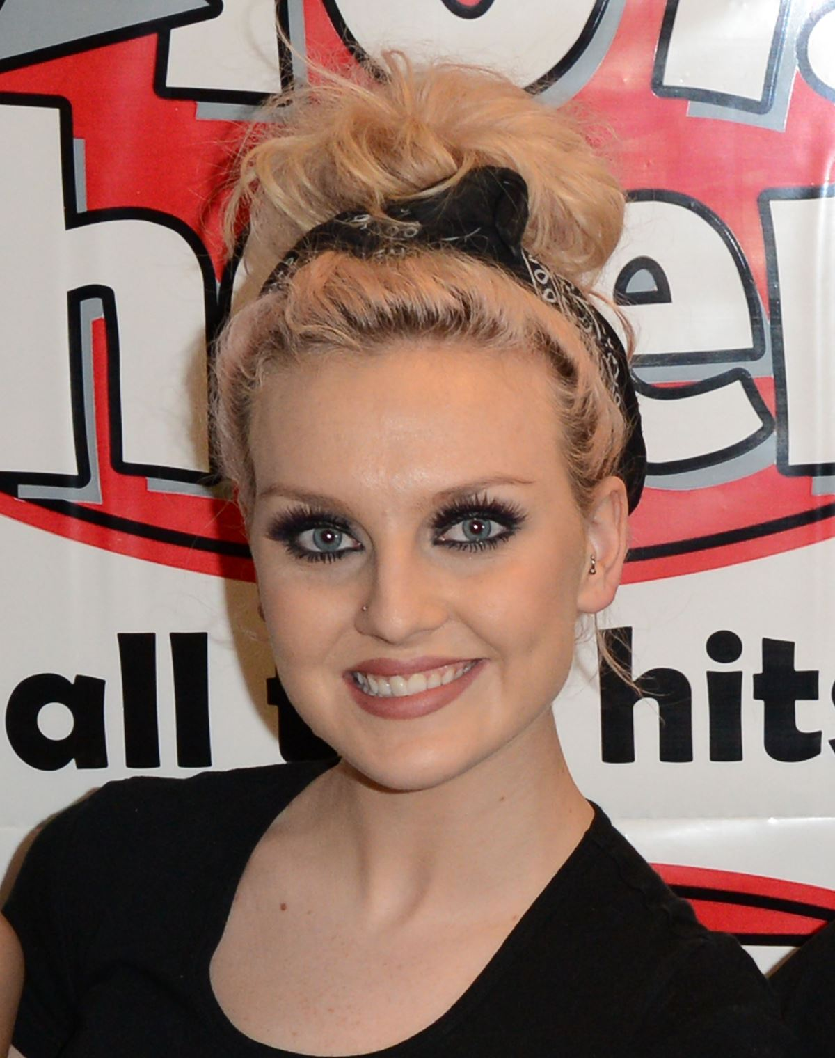 How adorbs does Perrie look rocking a bandana and smokey eye combo?