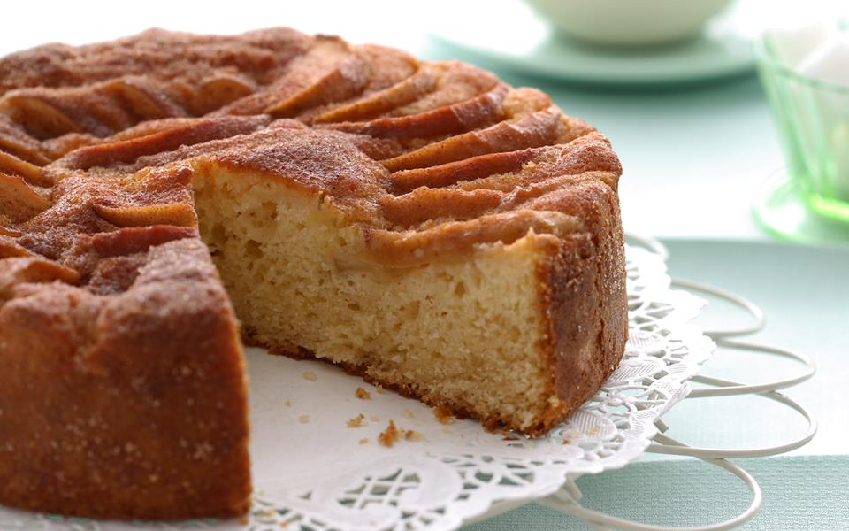 Apple cinnamon tea cake recipe | FOOD TO LOVE