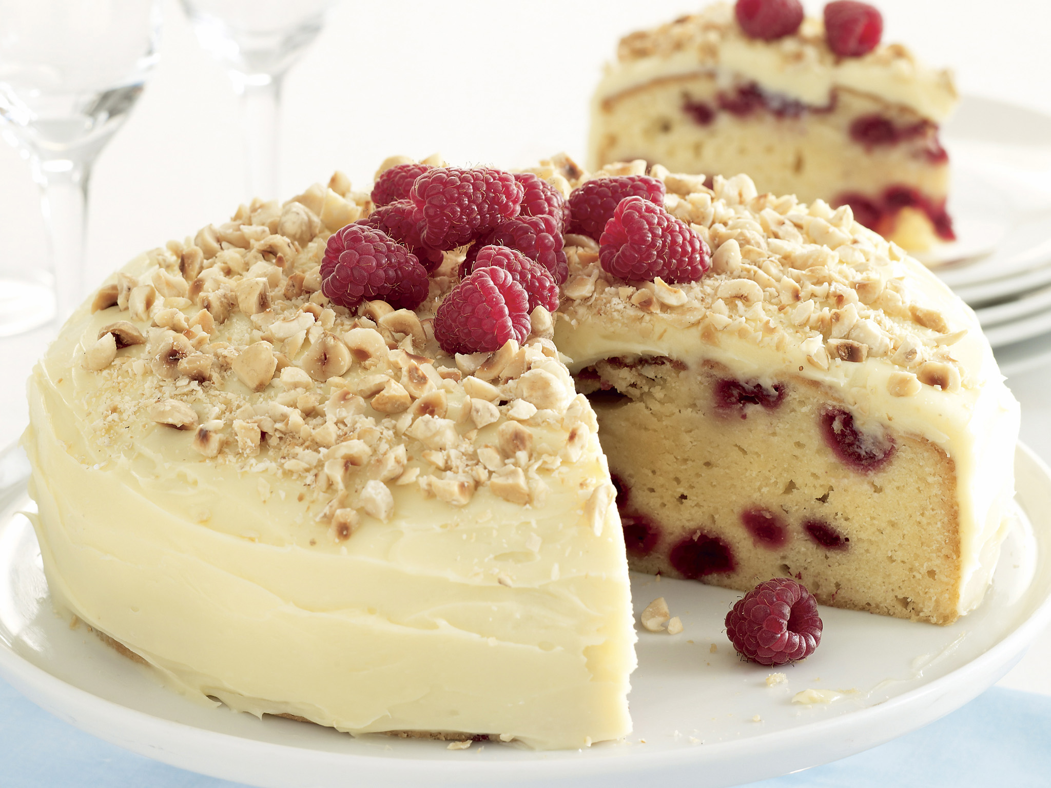 Best White Chocolate Raspberry Cake Recipe