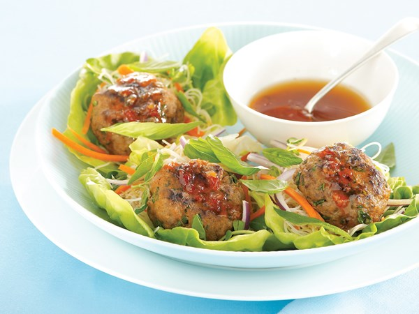 Vietnamese patties in lettuce