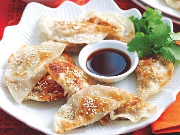Pot sticker Chinese dumplings
