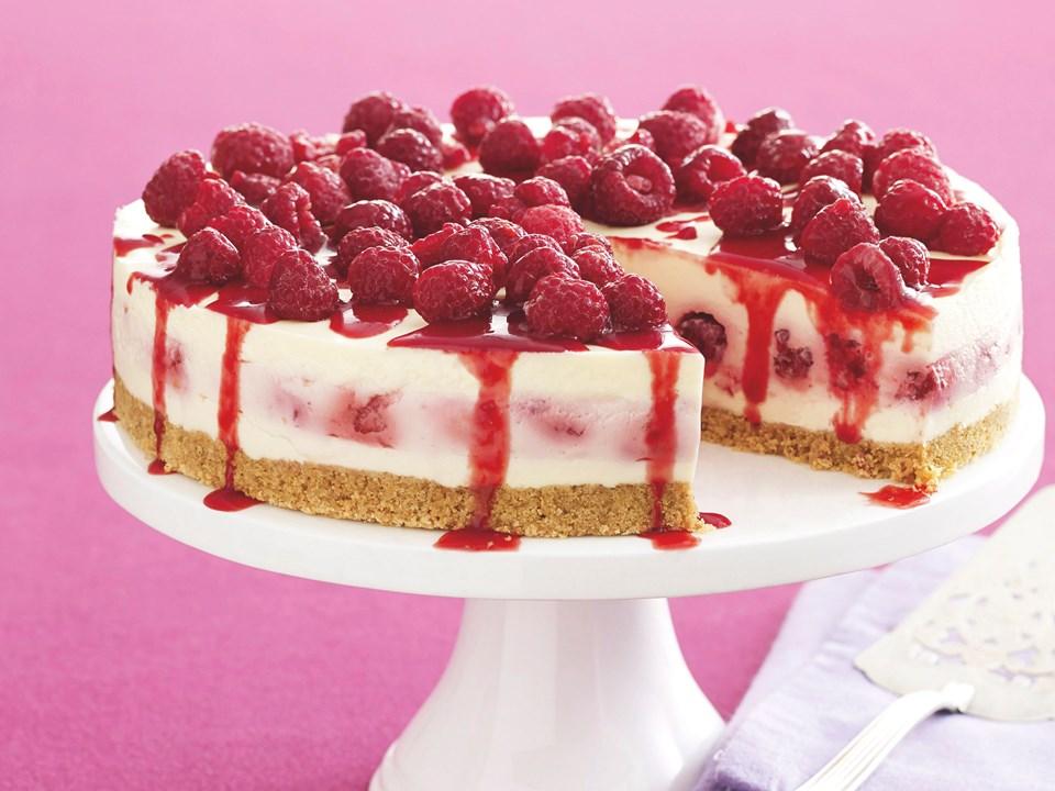 White chocolate and raspberry cheesecake recipe food to love