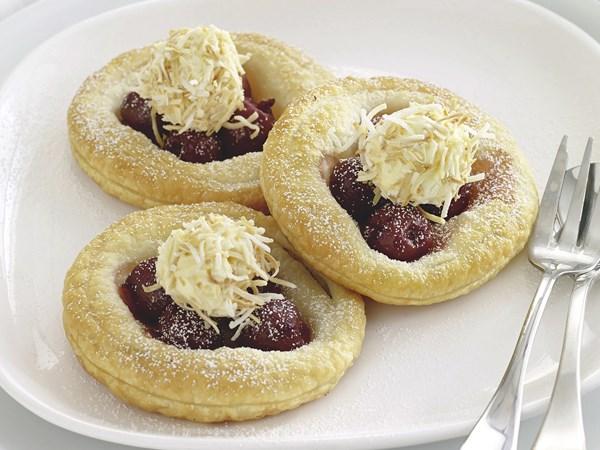 Cherry tarts with coconut ice-cream