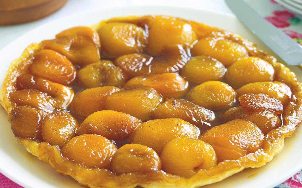 Apricot tarte tatin recipe | FOOD TO LOVE