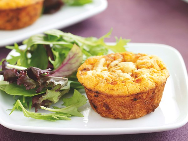 Bolognese and cheese muffins