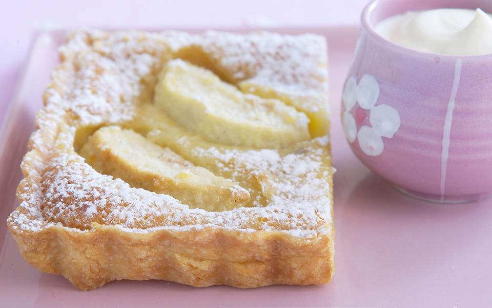 Apple custard tart recipe | FOOD TO LOVE