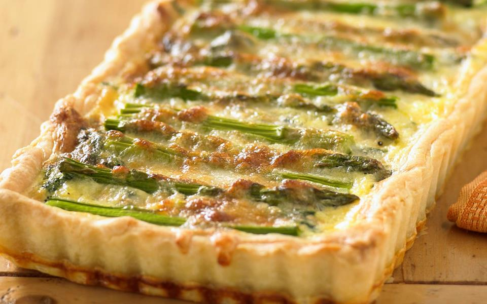 Asparagus, gruyere and spinach quiche recipe | FOOD TO LOVE