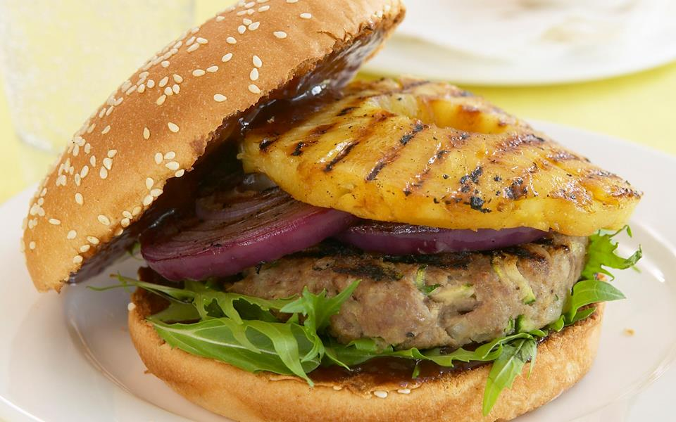 Beef burgers with grilled pineapple recipe | FOOD TO LOVE