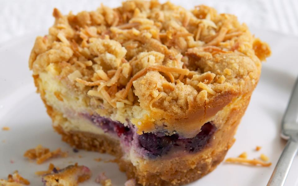 blueberry crumb bar best ever berry crumble berry cheesecake crumble ...