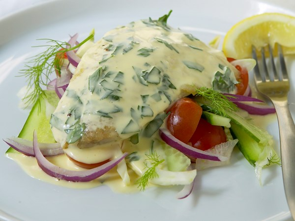Bream fillets with lemon butter sauce