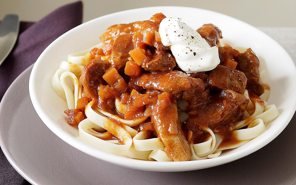 Veal goulash with fettuccine recipe | FOOD TO LOVE