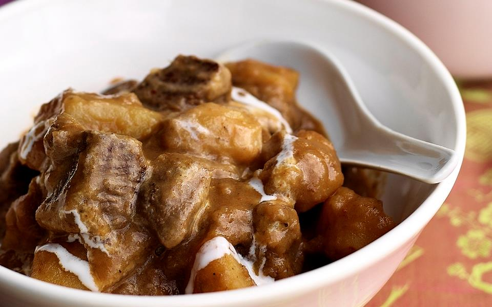 Beef massaman curry recipe | FOOD TO LOVE