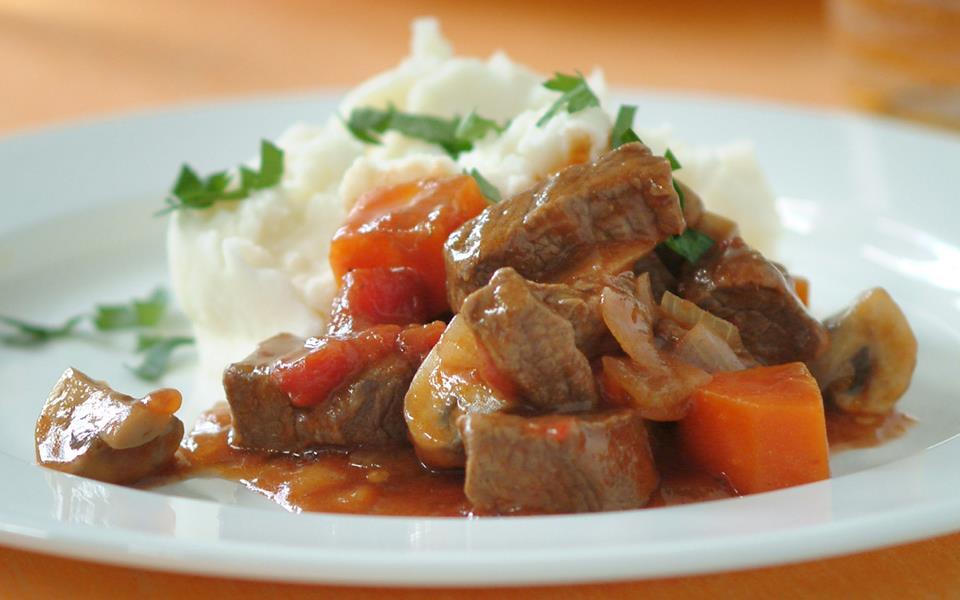 Beef bourguignon recipe | FOOD TO LOVE