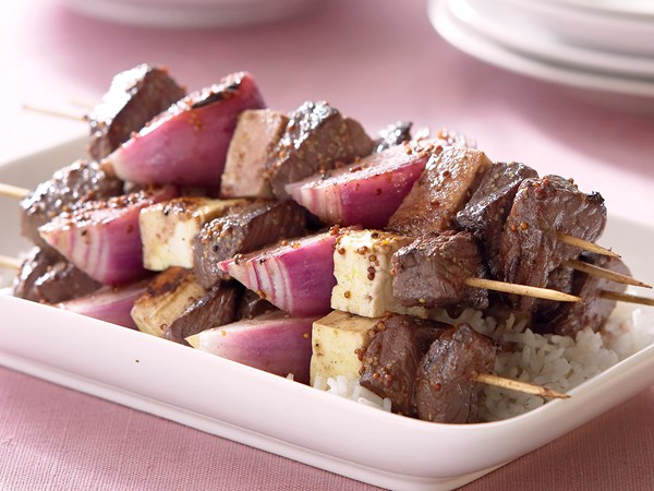 Beef, onion and haloumi kebabs
