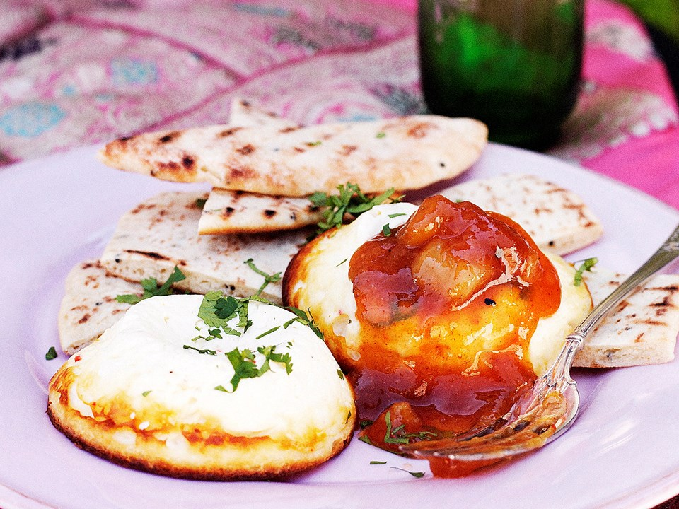 Chilli-baked ricotta with naan and chutney recipe