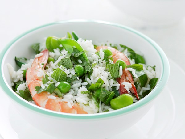 Green rice and prawn salad