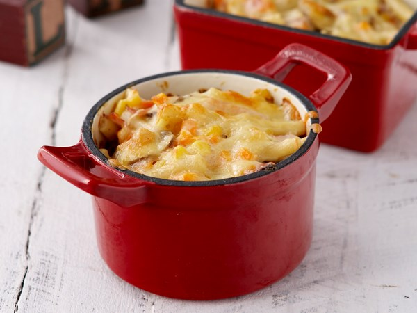 Macaroni cheese pots