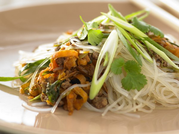 Mince stir-fry with glass noodles