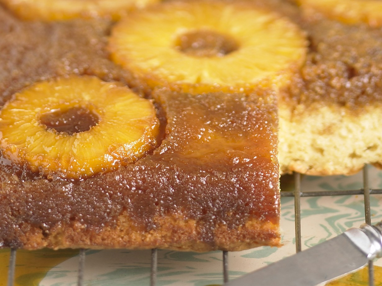 Old Fashioned Pineapple Upside-Down Cake Recipe 13