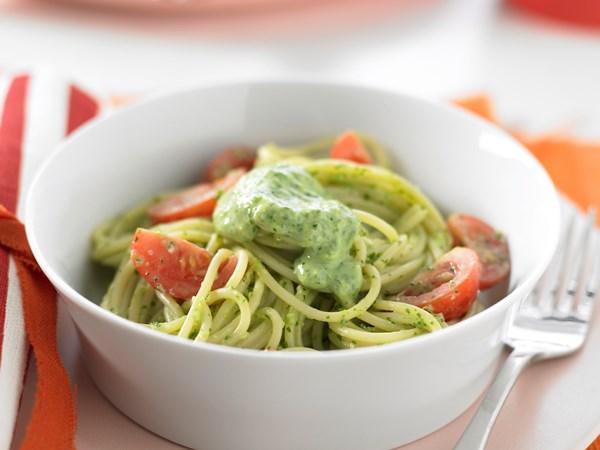 Spaghetti with Creamy Coriander Sauce