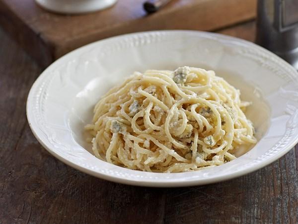 Three-cheese spaghetti