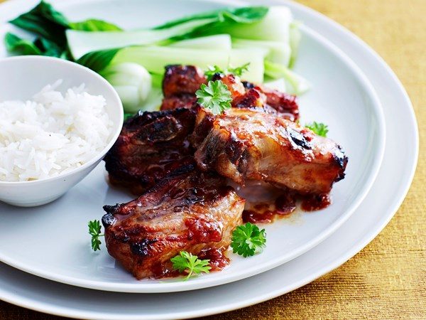 Pork spare ribs with chilli plum sauce