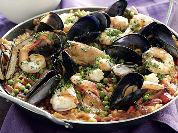 Paella with aioli