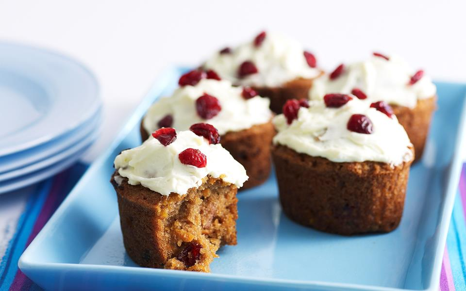 Mini carrot and cranberry cakes recipe | FOOD TO LOVE
