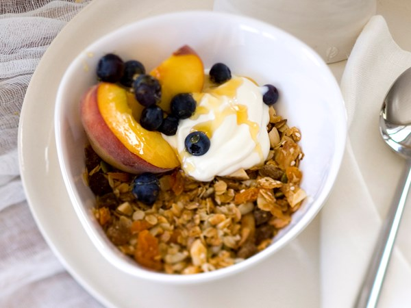 Apricot and almond toasted muesli