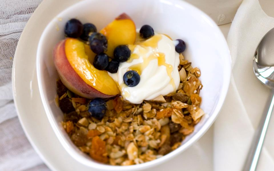 Apricot and almond toasted muesli recipe | FOOD TO LOVE