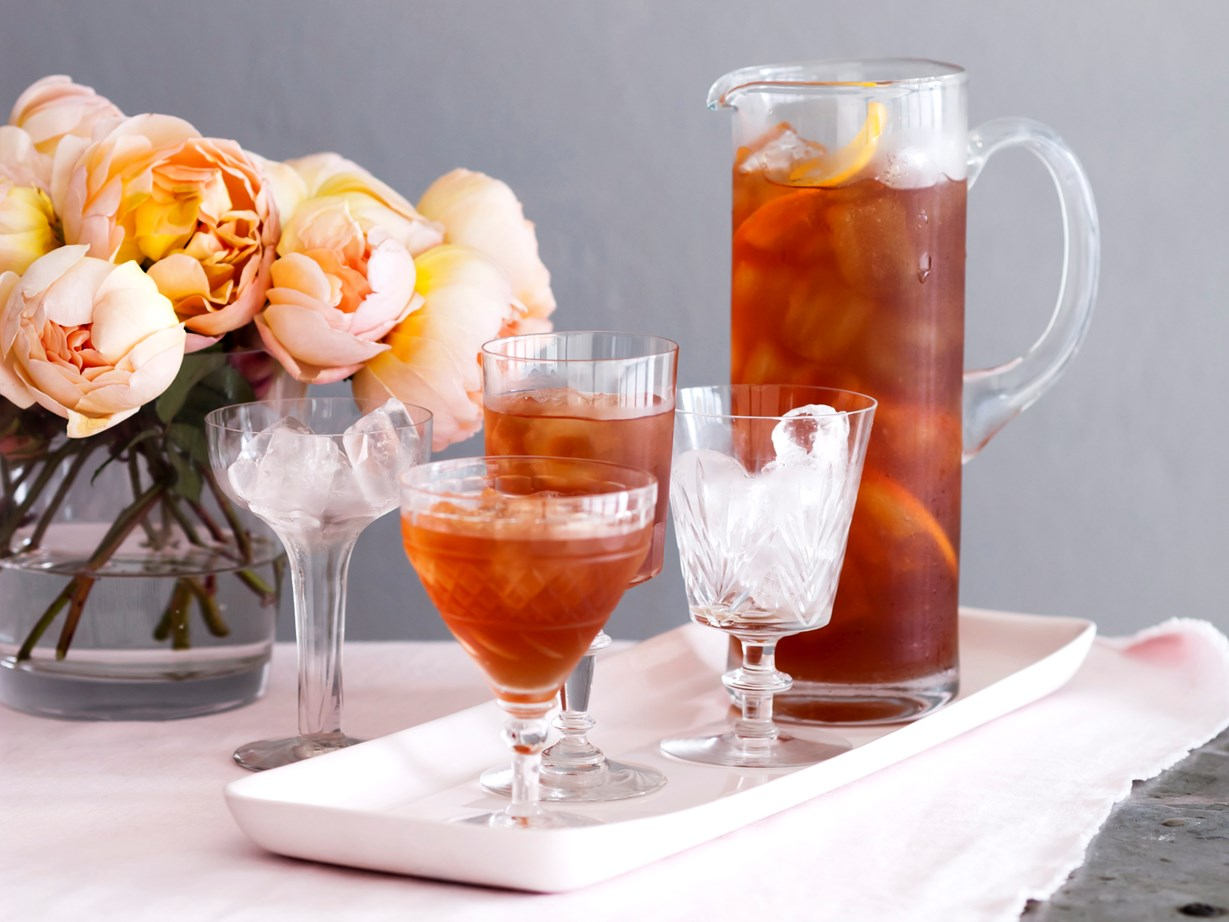 "Try whipping up a batch of [pomegranate iced tea.](http://www.foodtolove.co.nz/recipes/pomegranate-iced-green-tea-8366|target=""_blank"")"