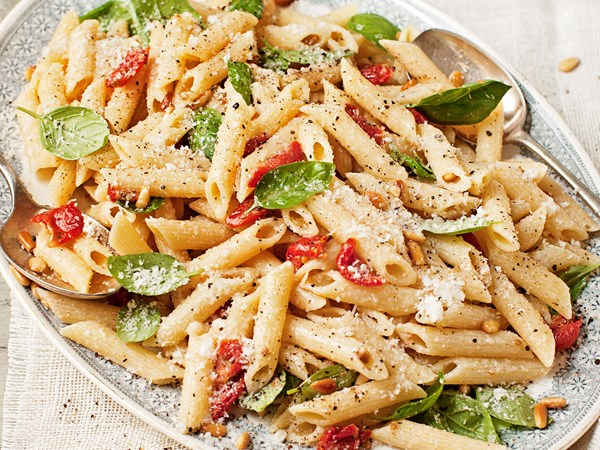 Ham and sun-dried tomato pasta salad