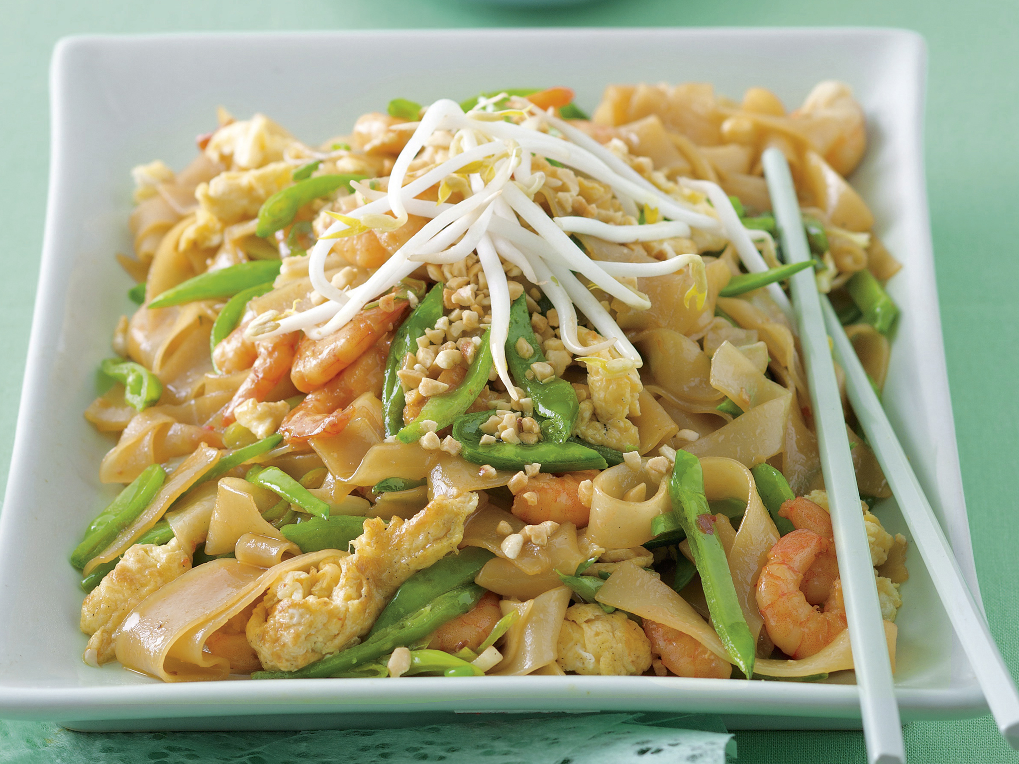 Prawn Pad Thai Noodles With Crushed Peanuts Recipe Recipe Food To Love