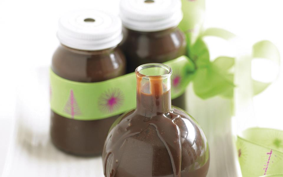 Chocolate bourbon sauce recipe | FOOD TO LOVE