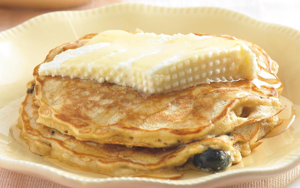 how to cook blueberry pancakes