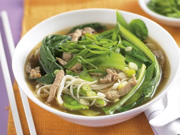 Korean-style beef noodle soup