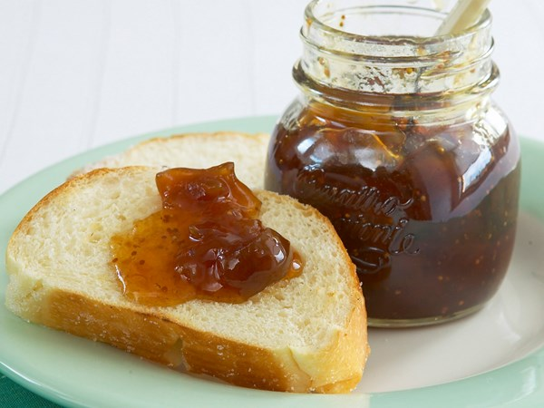 Dried fruit jam